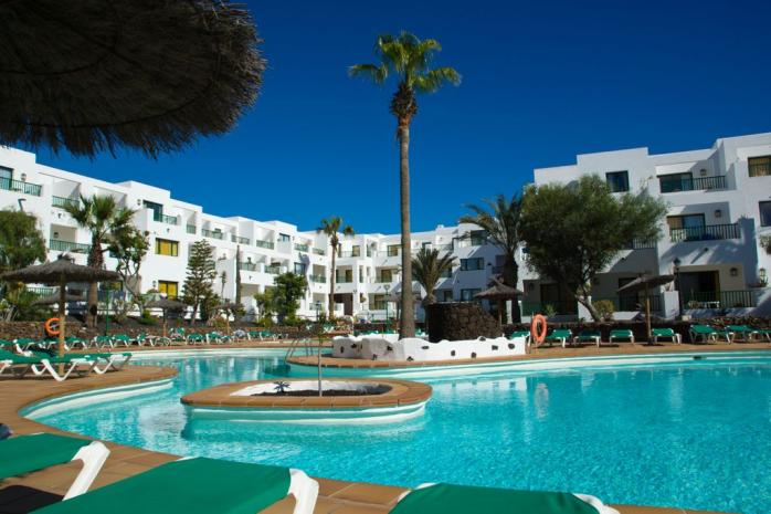 64901-pool-view-seaview-galeon-playa-apartments-in-costa-teguise